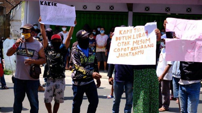 Bantah Isu Asusila dan Minta Penuduh Keluarkan Bukti, Kepala Desa Ngenep Malang: Saya di Kantor