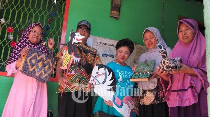 Mengintip Karya-karya Daur Ulang Warga Kampung Surabayan, Ada Wayang Kalender sampai Pesawat Knalpot