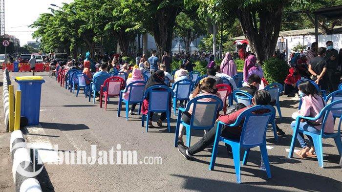 NEWS VIDEO: Rapid Test dan Swab Massal di Plaza Marina Surabaya, Warga Ramai Antre, Arus Lalin Padat