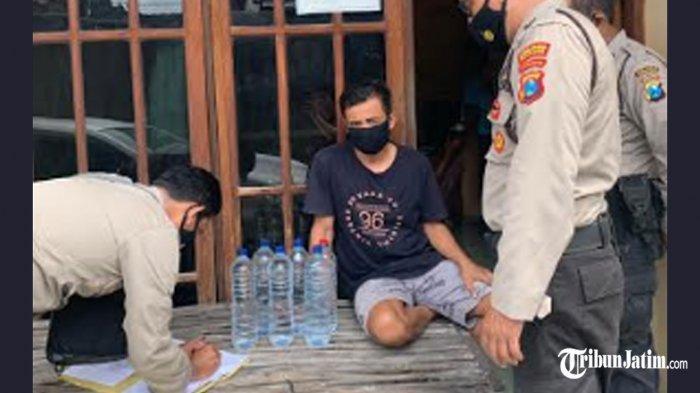 Warung Penjual Arak Jawa di Desa Jabon Digerebek, Pemilik Warung Dikeler ke Mapolres Kediri Kota