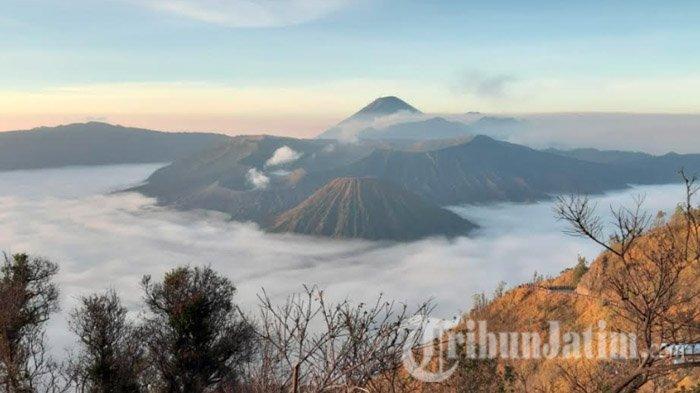 Jelang Penerapan New Normal, Pendakian ke Gunung Semeru dan Bromo Masih Belum Dibuka