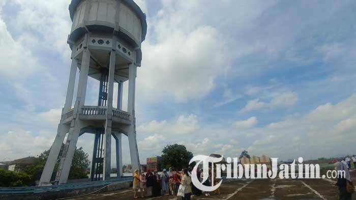 Melihat Lebih Dekat Tandon Air Raksasa Ikon Jember yang Jadi Wisata Heritage