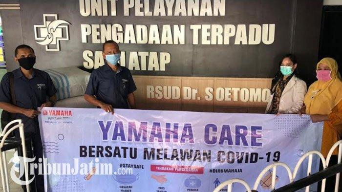 Apresiasi Dedikasi Tim Medis Lawan Corona, Yamaha Jatim Bagi 500 Masker dan APD ke 2 RS Surabaya