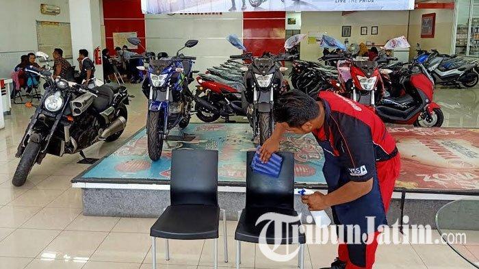 Peduli Kesehatan Konsumen saat Wabah Corona, Yamaha Jatim Semprot Disinfektan di Bengkel dan Dealer