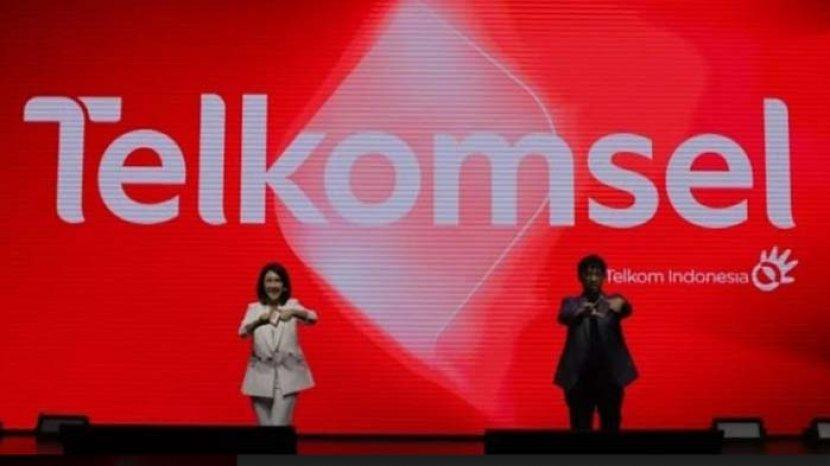 direktur-utama-telkomsel-hendri-mulya-syam-pada-peluncuran-logo-baru-telkomsel.jpg