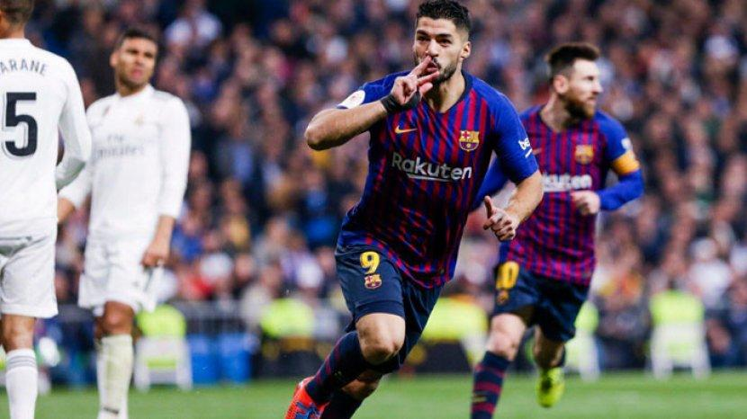 ekspresi-luis-suarez-suskes-menyarangkan-3-gol-barcelona-ke-gawang-real-madrid.jpg
