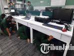 ada-gempa-64-sr-di-surabaya-karyawan-kantor-ini-berhamburan.jpg