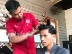 aktivitas-hair-styling-pria-di-broadway-barbershop.jpg