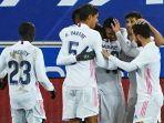 alaves-vs-real-madrid-benzema-2-gol-los-blancos-menang-telak.jpg