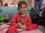 alif-bocah-yatim-piatu-enam-tahun-yang-sahur-dan-berbuka-dengan-nasi-dan-garam_20180529_095721.jpg