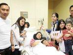 ani-yudhoyono-dan-keluarga-saat-dirawat-di-rs-nuh-singapura.jpg
