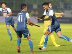 arema-fc-vs-bhayangkara-fc-di-stadion-kanjuruhan-malang-rivaldi-bawuo_20180523_124747.jpg