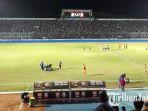 arema-fc-vs-borneo-fc-di-stadion-kanjuruhan_20180812_155520.jpg