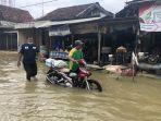 banjir-kembali-mengepung-62-desa-di-lamongan.jpg