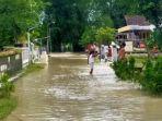 banjir-susulan-kali-lamong-kembali-menggenangi-pemukiman-dan-lahan-pertanian-warga.jpg