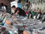 beita-blitar-koleksi-puluhan-sepeda-motor-lawas-milik-irfan-diparkir-kota-blitar.jpg