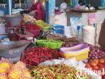 beita-lamongan-pedagang-di-pasar-sidoharjo-lamongan-menjuak-cabai-rawit.jpg