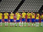 bek-brasil-dani-alves-merayakan-gol-penaltinya-ke-gawang-meksiko.jpg