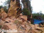 beri6t5a-bangkalan-bukit-kapur-di-arosbaya-bangkalan-runtuh.jpg