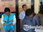 berita-bangkalan-mengurus-surat-di-polres-bangkalan_20180104_172444.jpg