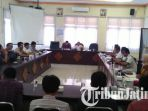 berita-bangkalan-pencatat-meter-bangkalan_20171019_180239.jpg