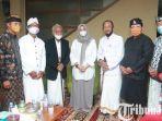 berita-bany8uwangi-silaturahmi-ipuk-fiestiandani-dan-pemuka-agama-hindu.jpg