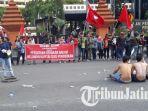 berita-demonstrasi-mahasiswa-surabaya_20170502_172406.jpg