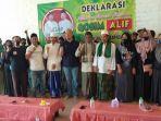 berita-gresi-calon-wakil-bupati-alif-bdengan-relawan-bawean-bersatu-di-pulau-bawean.jpg