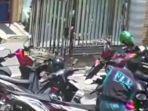 berita-gresik-pelaku-beraksi-bobol-motor-korban-di-parkiran-masjid-di-gresik.jpg