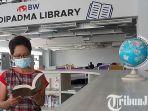 berita-kediri-koleksi-buku-di-perpustakaan-adipadma-library-iik-bhakti-wiyata-kota-kediri.jpg