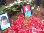 berita-kediri-suasana-pemakaman-rahmania-ekananda-bersama-putrinya-fathimah-di-kediri.jpg