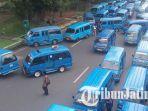 berita-malang-angkot-blokade-kota-malang_20170306_143300.jpg
