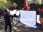 berita-malang-gmni-dan-malang-raya-demo-kekerasan-di-sumba_20180430_110254.jpg