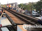 berita-malang-inilah-kondisi-rel-jembatan-buk-gluduk-malang_20171030_165943.jpg