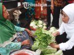 berita-malang-khofifah-pasar-kebalen-malang_20180222_200429.jpg