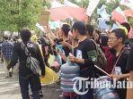 berita-malang-mahasiswa-keliling-kampus-ub_20170322_171355.jpg