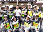 berita-pasuruan-mas-polisi-foto-bareng-anggota-polres-pasuruan_20171120_093614.jpg