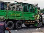 berita-pasuruan-tiga-kendaraan-mengalani-kecelakaan-di-jalur-surabaya-malang.jpg