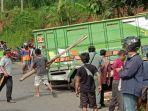 berita-ponorogo-evakuasi-truk-tergelincir-di-desa-wagir-kidul-kecamatan-pulung-ponorogo.jpg