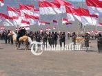 berita-probolinggo-bendera-merah-putih-di-lautan-pasir-gunung-bromo_20180814_193257.jpg