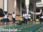 berita-surabaya-bersih-bers-h-masjid-di-surabaya.jpg