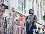 berita-surabaya-busana-muslim-raya-series-rancangan-desainer-yeny-ries.jpg