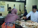 berita-surabaya-gus-ipul-ke-pasar-pasar-di-surabaya_20180212_210912.jpg