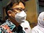 berita-surabaya-menkes-saat-memantau-pelaksanaan-vaksinasi-lansia-di-samator-rungkut-surabaya.jpg