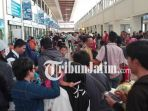 berita-surabaya-penumpang-di-bandara-udara-juanda_20180620_115154.jpg