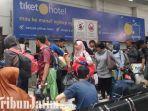 berita-surabaya-penumpang-kereta-api-di-stasiun-pasar-turi-surabaya.jpg