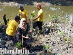 berita-surabaya-pt-angkas-apura-tanam-bibit-mangrove-di-gununganyar-surabaya.jpg