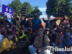 berita-surabaya-puluhan-wali-murid-gerudk-kantor-diknas-jatim-di-surabaya.jpg