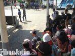 berita-surabaya-ribuan-penumpang-menumpuk-di-surabaya.jpg