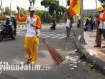 berita-surabaya-sampah-parade-bunga-surabaya_20170507_113349.jpg